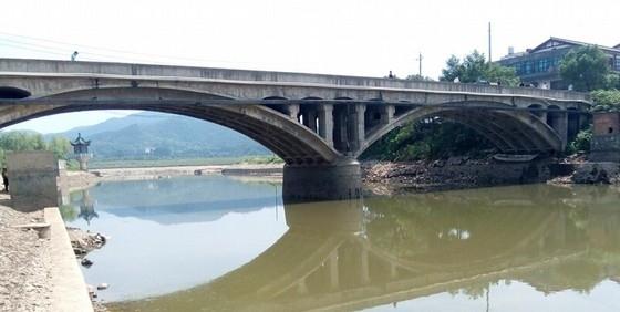 [广东]2-31.7拱桥加宽独立柱32m预应力小箱梁桥设计图纸106张(含接线路照明)