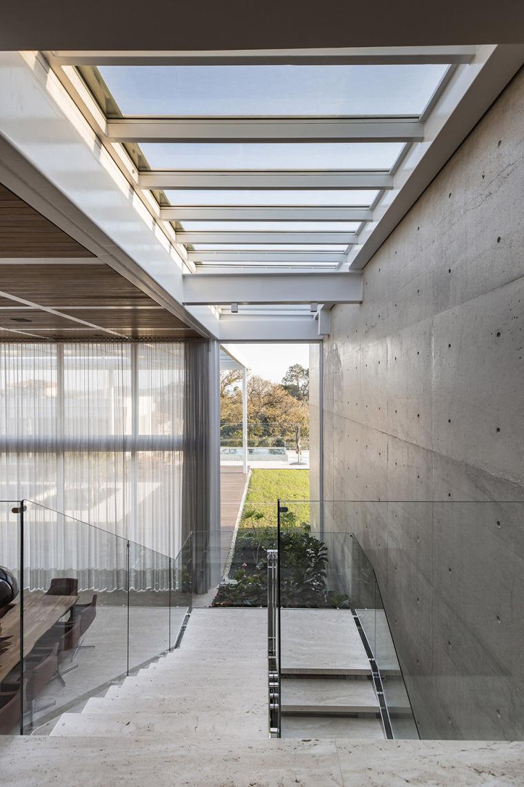 结构与空间融合的JardimdoSol住宅-23