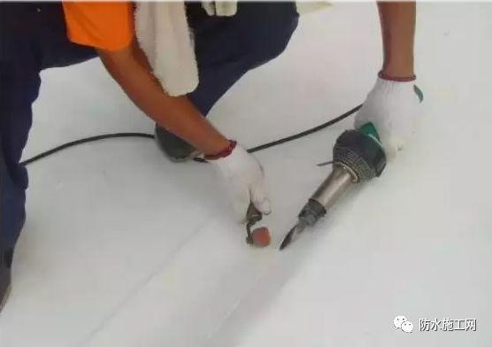 PVC防水卷材冬季施工需注意的事项_2