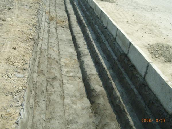 高速公路排水设施设计与施工控制(22页)