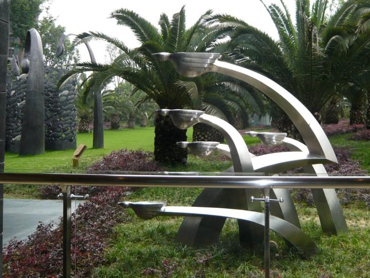 东莞万科金域松湖雕塑住宅景观
