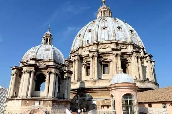 全球50个地标性建筑,认识10个就算你合格!-圣彼得大教堂(梵蒂冈).jpg