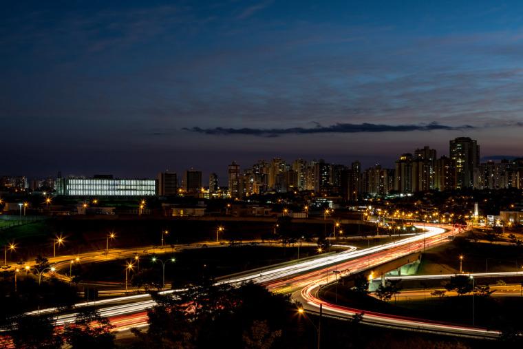 巴西安汉比莫隆比大学新建筑-10