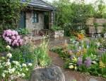 找个院子,陪你种花,写字画画
