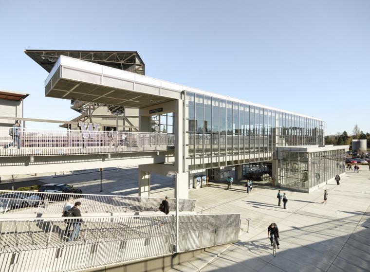 美国华盛顿大学轻轨站-8