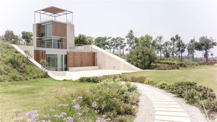 坡地海景住宅:与地形的完美融合