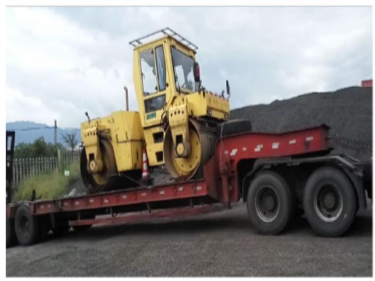 [QC小组成果报告]平板车运输钢轮压路机防侧移装置的研发