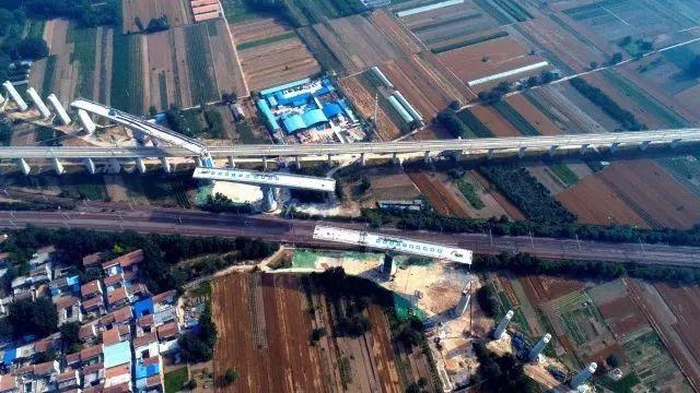 """2.8万吨重""""巨无霸""""华丽转身,中国高铁更进一步!!!"""