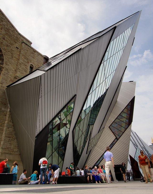 丹尼尔·利伯斯金设计的安大略皇家博物馆