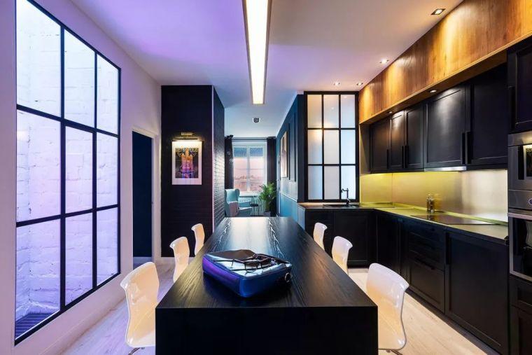 深色系墙面设计,让你家的颜值翻一倍_8