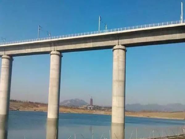 高铁大桥连续梁预应力施工技术浅析