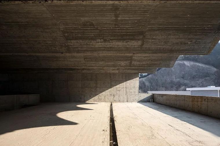 台州旧仓库改造的当代美术馆-7