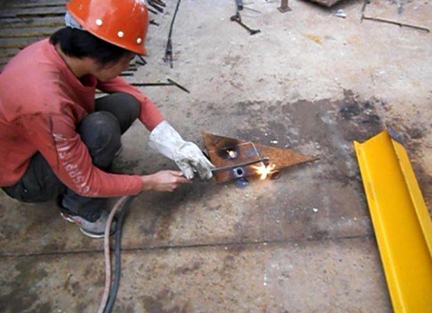 一种新型工具式悬挑架——花篮拉杆工具式悬挑架施工工法_4