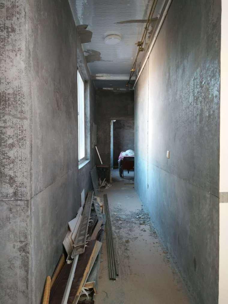 专业度假民宿设计公司_品筑专注空间设计十六年-客房过廊施工照.jpg
