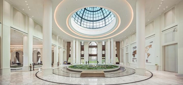 宁波绿地海湾售楼处(室内面积三万平米,可满足千人同时购房)