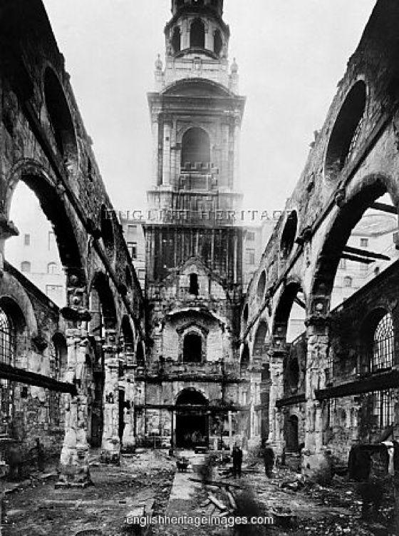 叙利亚战争后的城市建筑对比,满地废墟浓烟弥漫_12