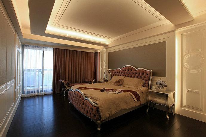 欧式古典的装饰风格资料下载-222平欧式新古典卧房装修设计图