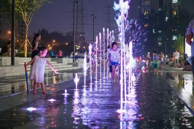 一个单词产生的设计灵感,结果火了北京的商业广场~_48