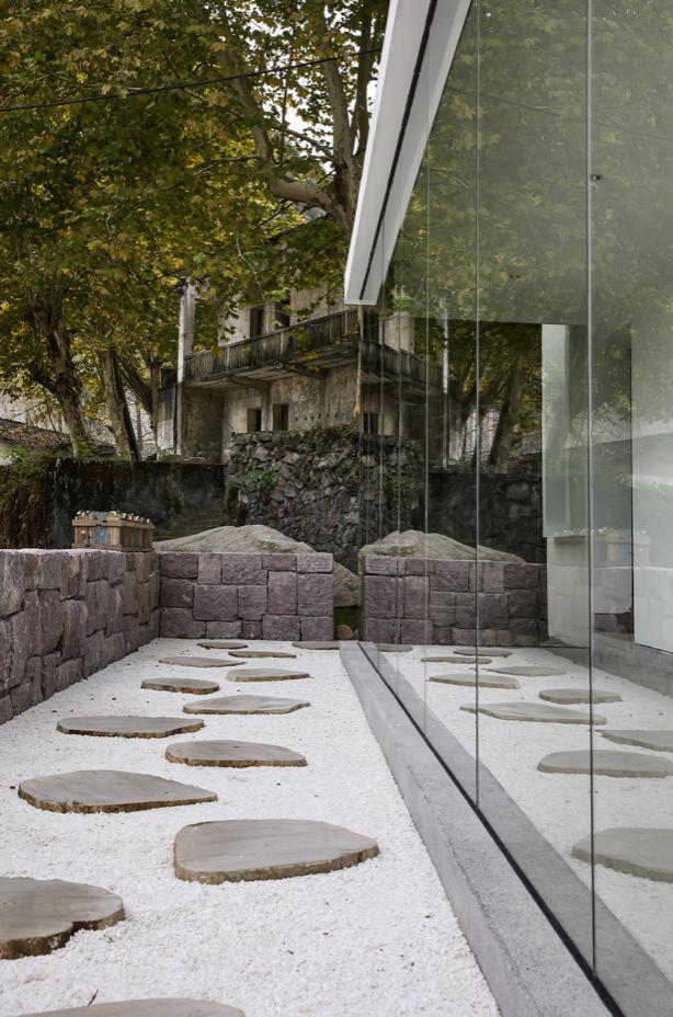 水泥厂改造成民宿,自然简约的设计就是这么美_8