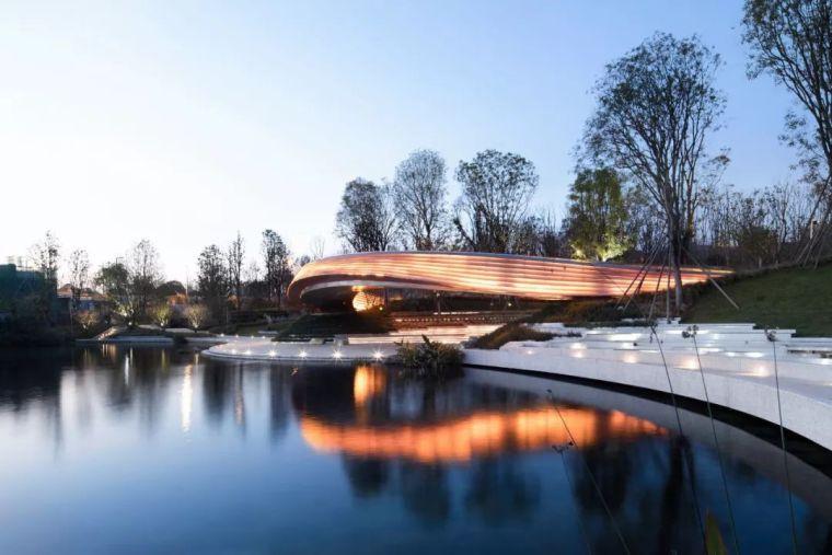 人·城·湖——麓湖生态城G1艺展公园丨境作品