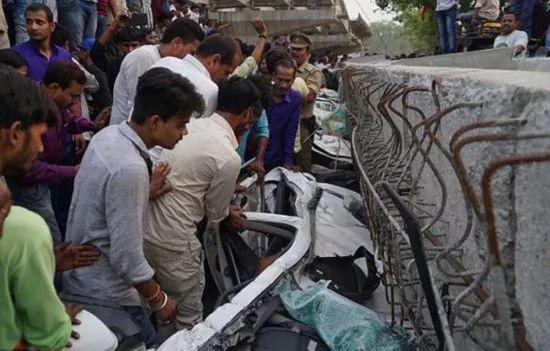一在建高架桥倒塌,致18人死亡,事故原因还在调查_5