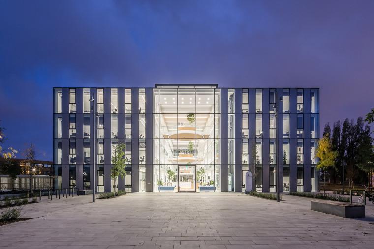 荷兰韦斯特兰新市政厅和市政府办公大楼