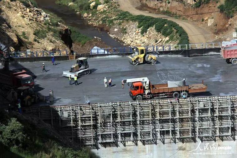 混凝土技术在水利工程施工中的应用_2