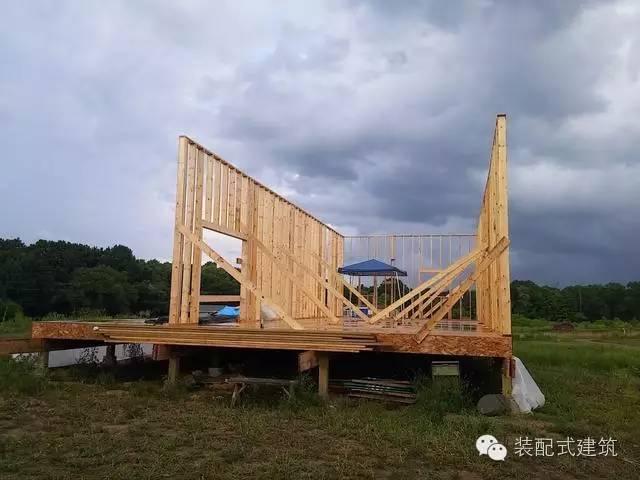 美国农村建房全程实拍——装配式木结构施工,速度快、性能好!_15