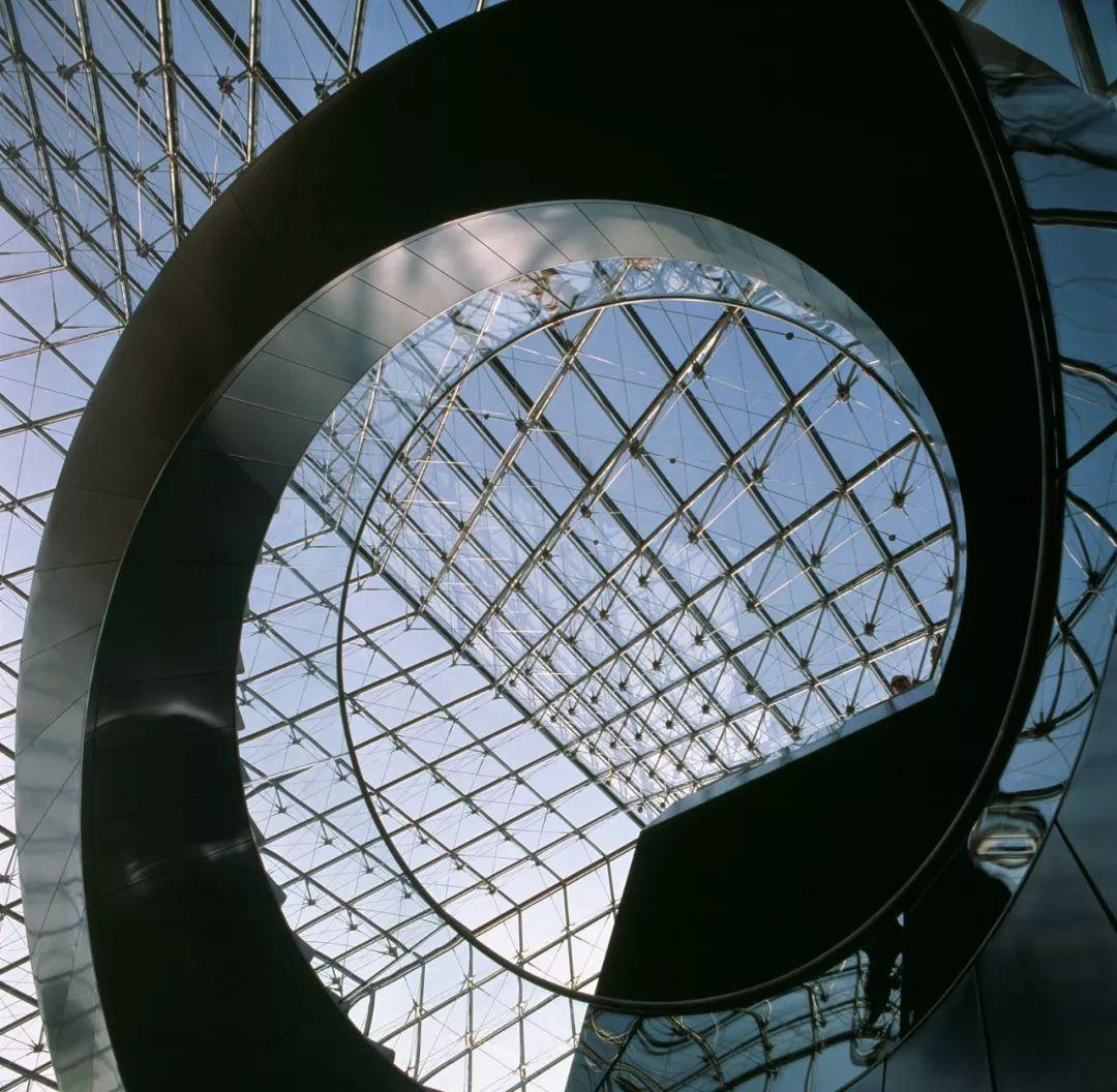 致敬贝聿铭:世界上最会用「三角形」的建筑大师_43