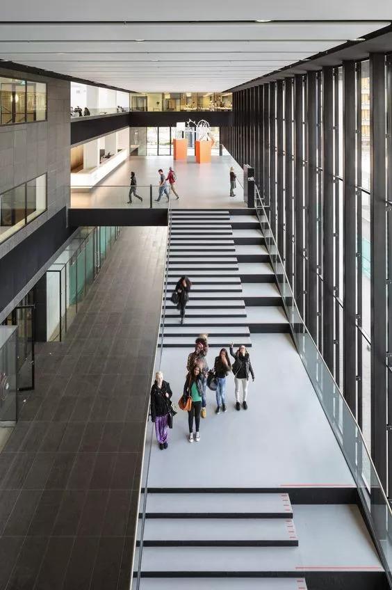 """你以为炫酷的大台阶设计就是画一个超大的""""单跑楼梯""""?_19"""