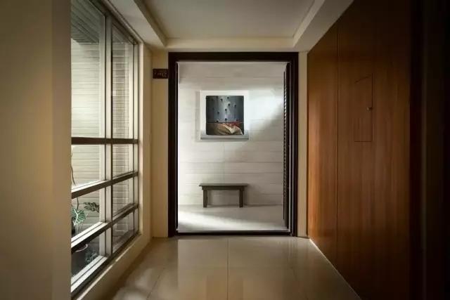 一个女画家的单身公寓,客厅设计一眼就让人称赞!