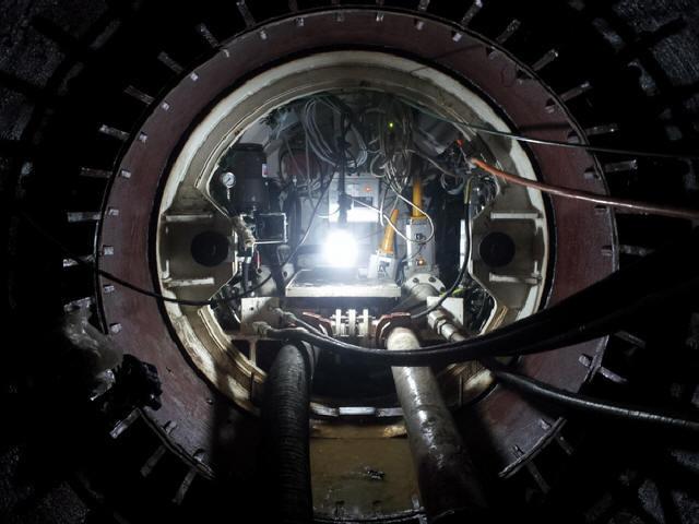 """全球最长超大断面曲线管幕隧道""""拱北隧道""""贯通"""