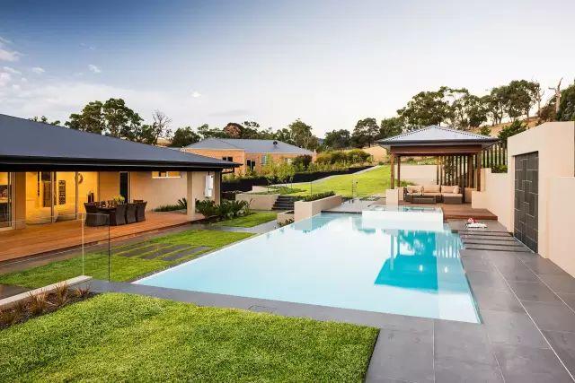 赶紧收藏!21个最美现代风格庭院设计案例_54
