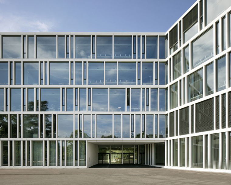 瑞士巨型花朵形的RaymondUldry商学院-3