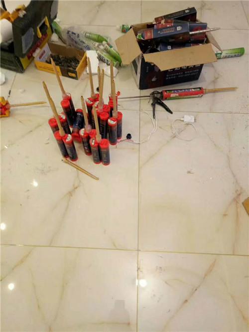 瓷砖美缝剂施工步骤 美缝剂自己可以施工干嘛