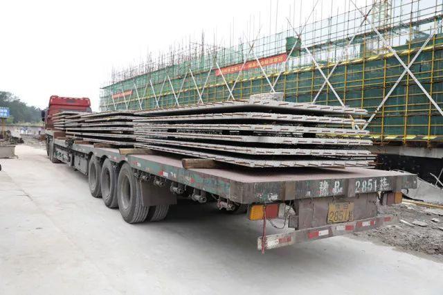 我市首个装配式混凝土结构建筑工程启动批量吊装