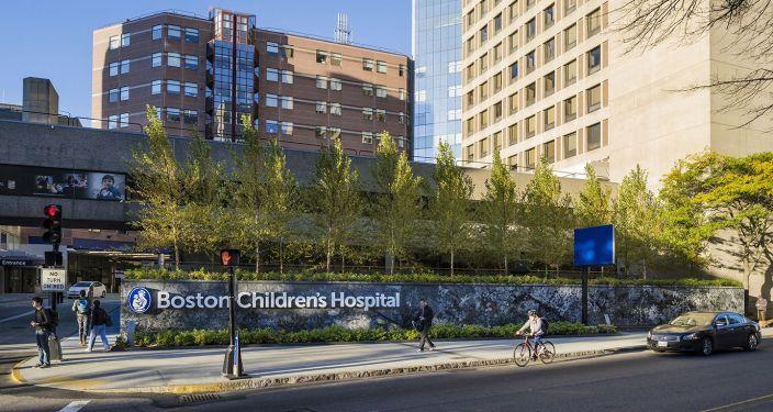 美国儿童医院入口景观实景图