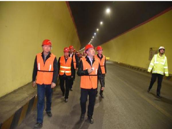 国家道路及桥梁质检中心对甘肃折达公路全线进行检测