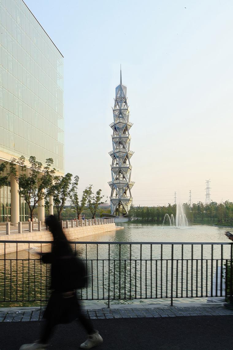 科技大学景观塔外部实景图 (1)