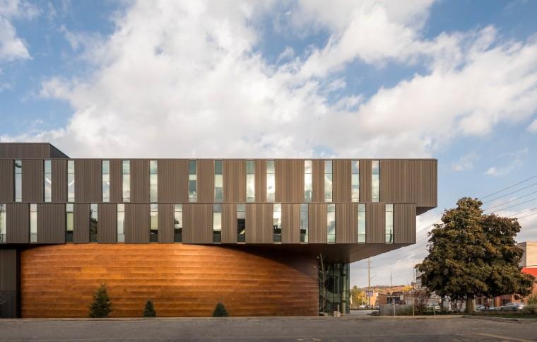 劳里埃大学拉扎里迪斯大楼外部实景图 (1)