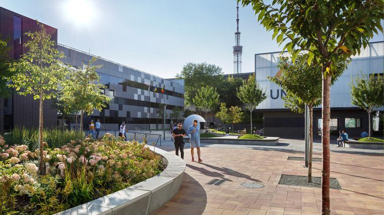 乌克兰UNIT.City创业园区建筑-5