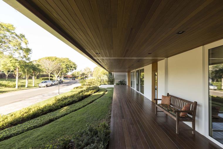 结构与空间融合的JardimdoSol住宅-9