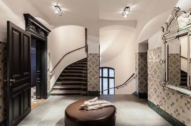 经典黑白斯德哥尔摩顶层阁楼公寓
