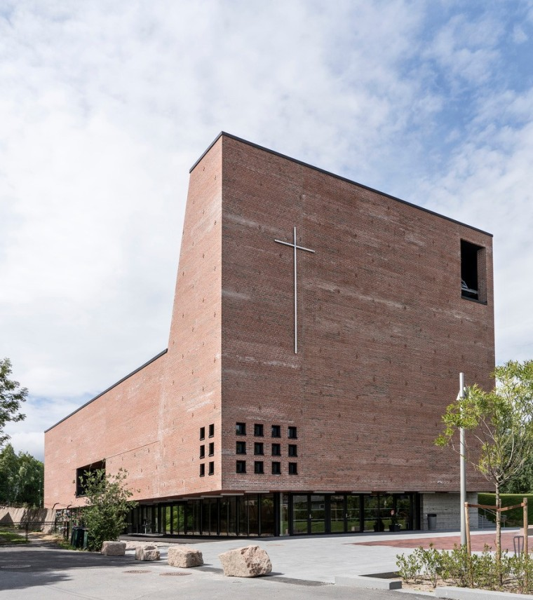 挪威小城的新教堂和文化中心 / Einar Dahle Arkitekter + Hille