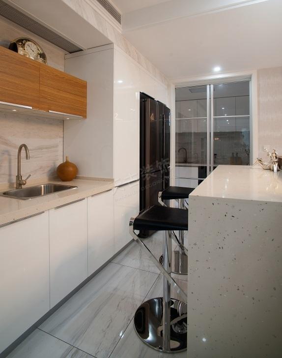 珊瑚水岸现代风格设计实景完工效果图时尚大气的家-图片12.jpg