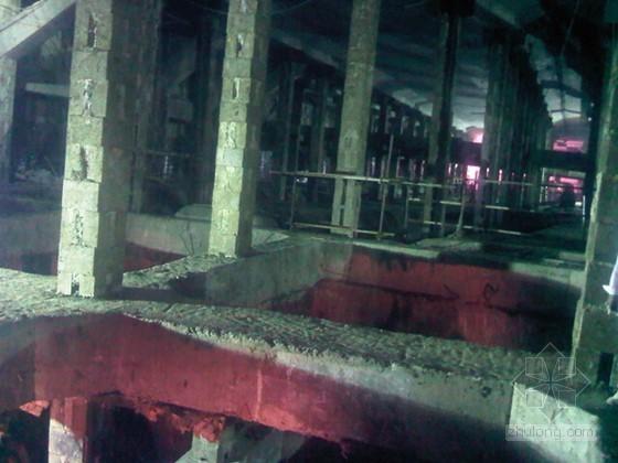 [江苏]逆作法地铁双柱三跨框架车站施工组织设计166页(高压旋喷桩复合挡土墙)-逆作施工阶段(混凝土内支撑)