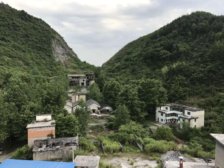 水泥厂改造成民宿,自然简约的设计就是这么美_2
