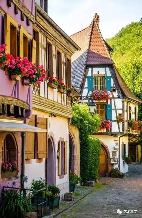 世界上最美的小镇,每走一步都是风景_23