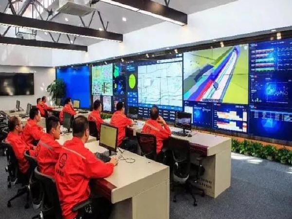 中国首条公铁合建隧道全线贯通