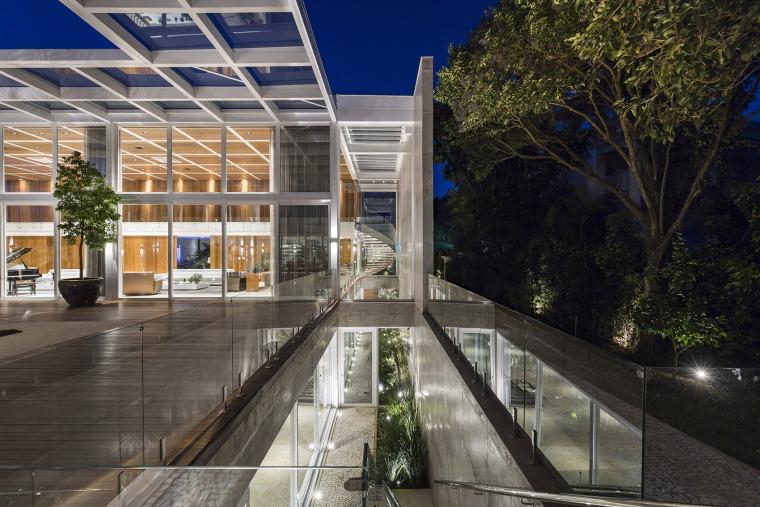 结构与空间融合的JardimdoSol住宅-18